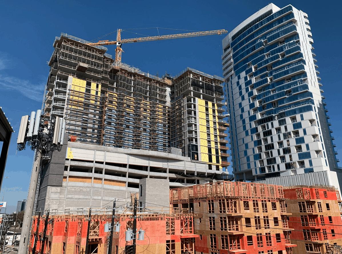 Bowen River Oaks: residential high-rise